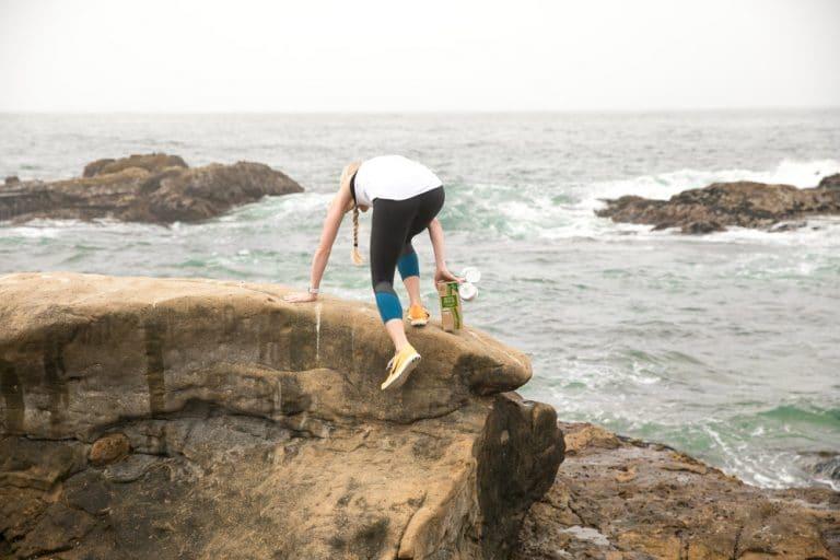 jessica climbing rock