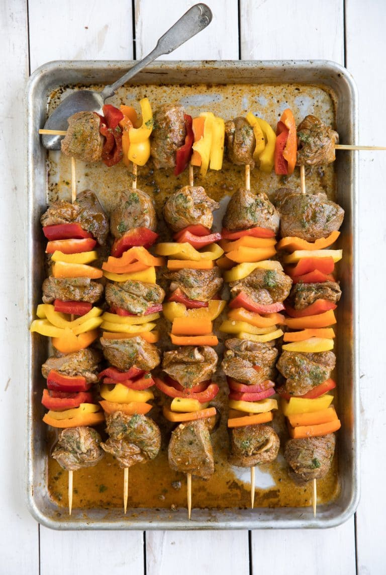 uncooked kebabs with bellpeppers