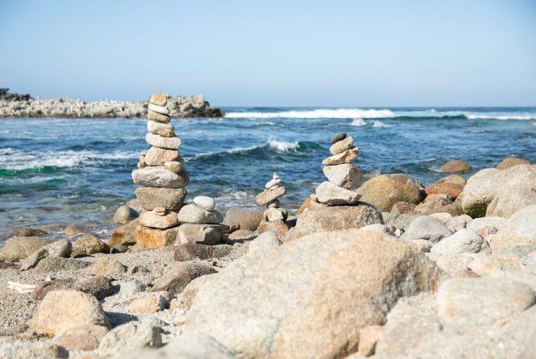 cairns on coast