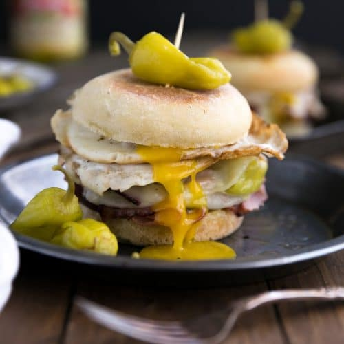 Easy Peperoncini, Provolone and Egg Breakfast Sandwich