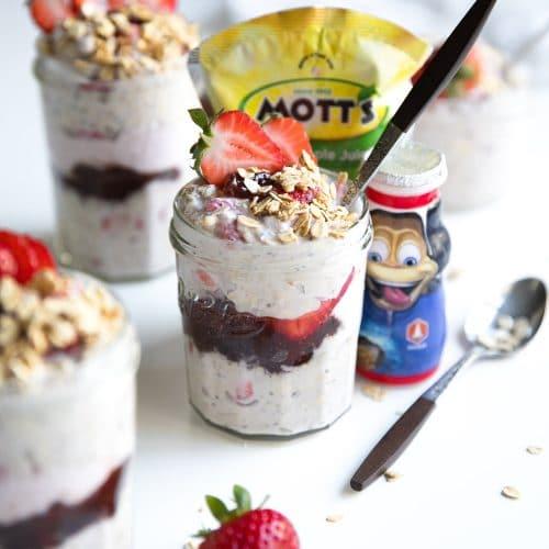 Strawberry Yogurt Overnight Oats