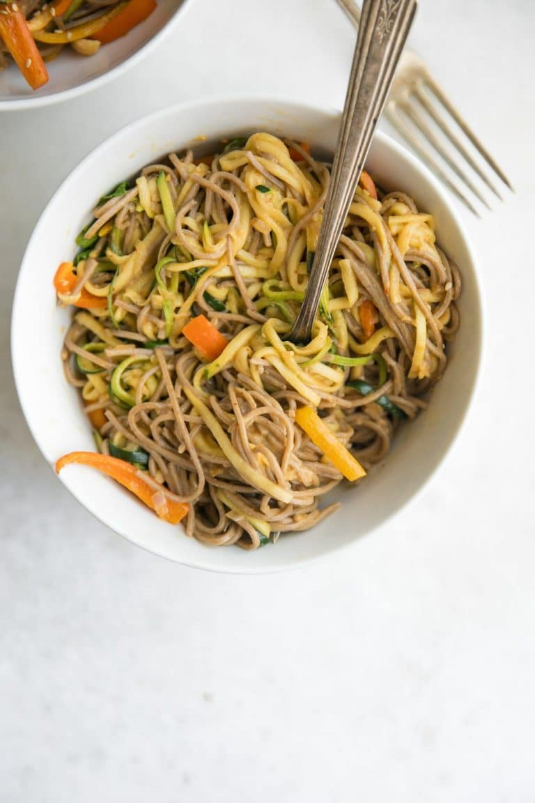 20 minute spicy peanut soba noodles