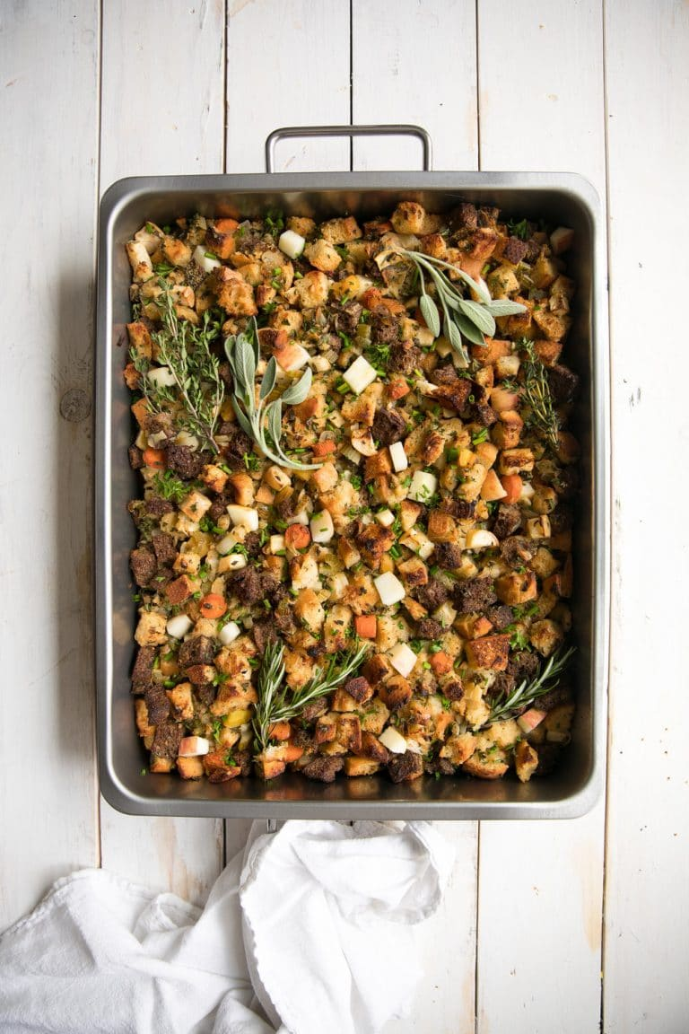 16 Easy and Delicious Thanksgiving Recipes. Herbed Apple and Pumpernickel Stuffing