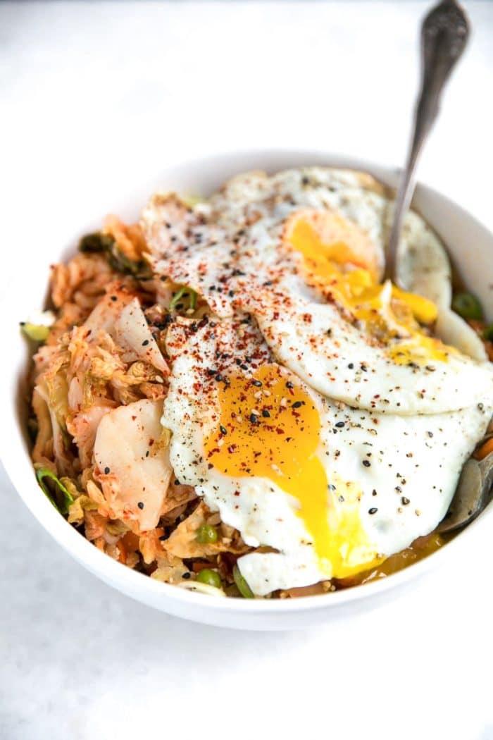 Kimchi cauliflower fried rice with egg