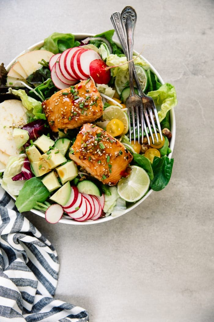 Easy marinated salmon apple salad with homemade sesame ginger vinaigrette