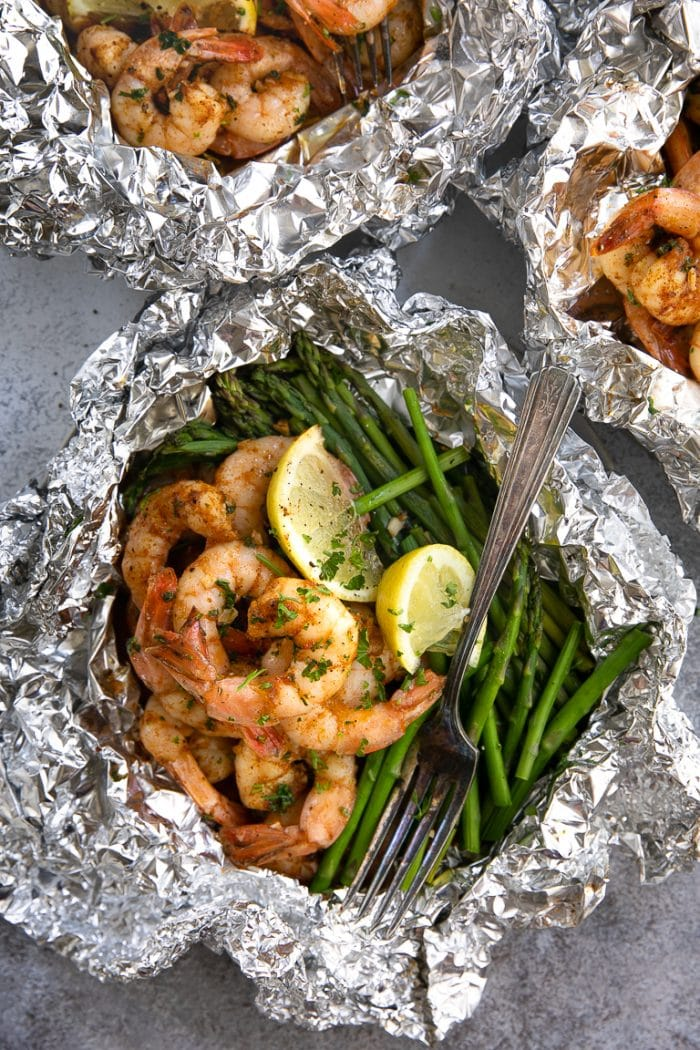 cajun shrimp foil packets recipe for the oven or grill
