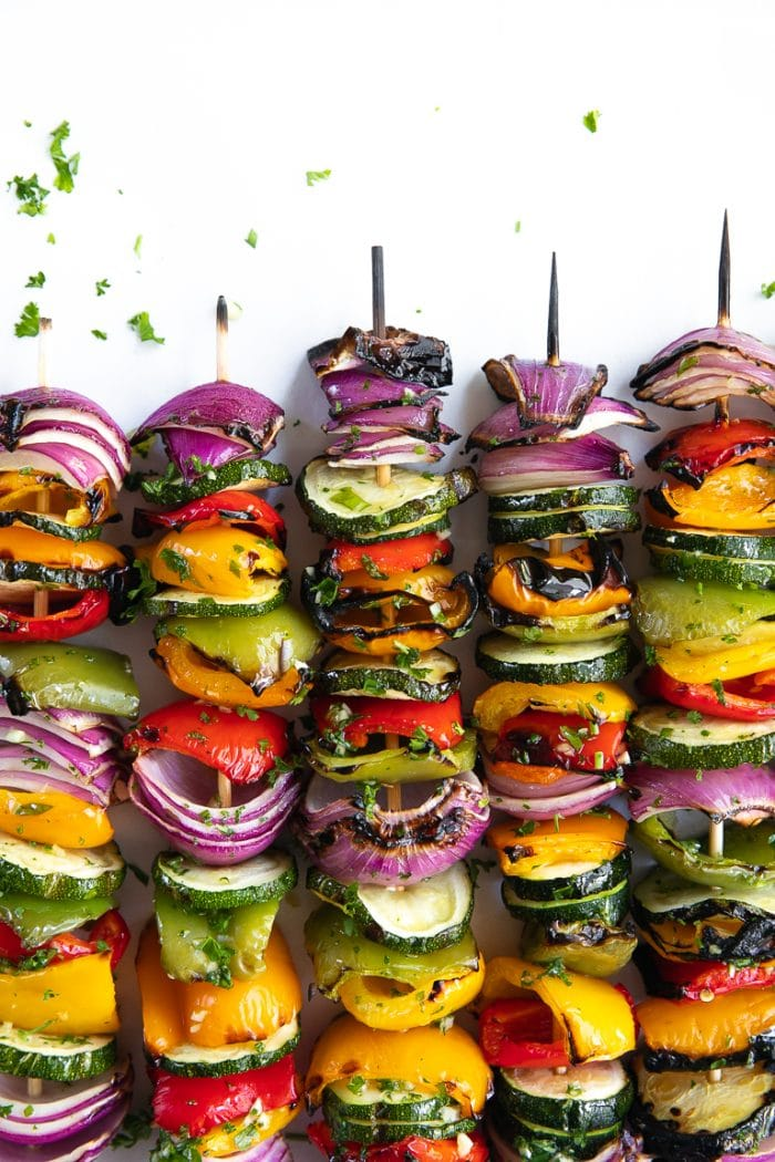 veggie skewers with zucchini, bell pepper and red onion