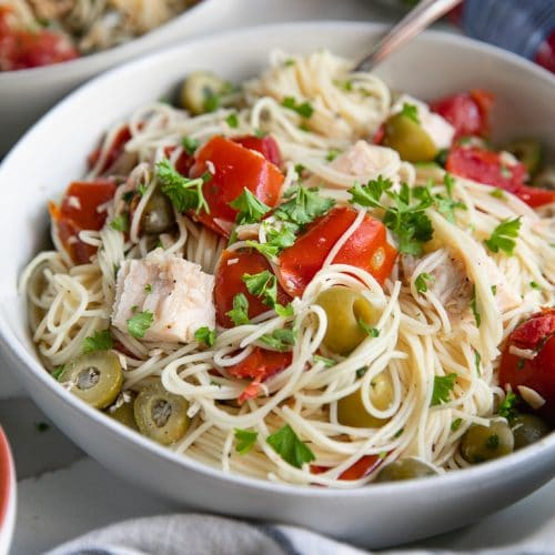 A bowl of pasta with Chicken