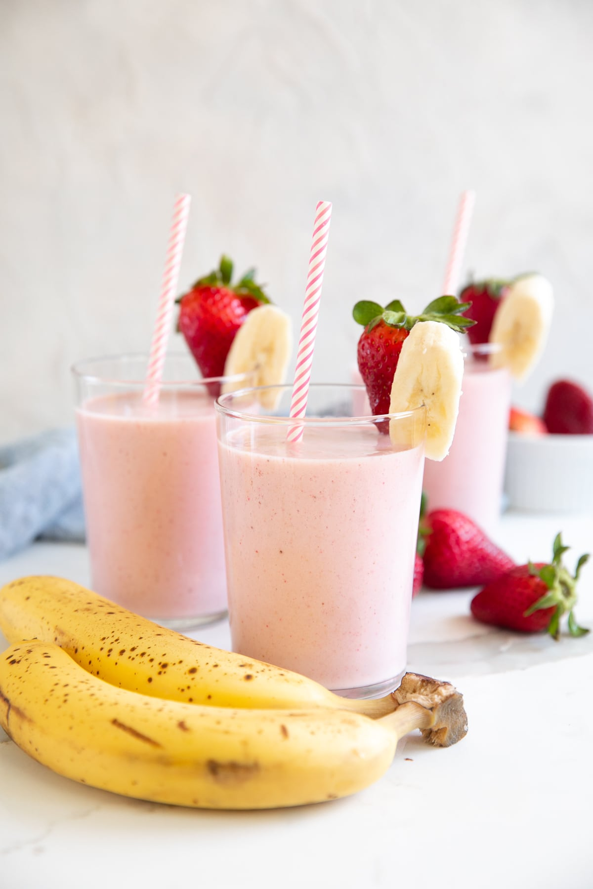 Easy Strawberry Banana Smoothie Recipe The Forked Spoon